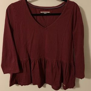 Maroon v-neck shirt